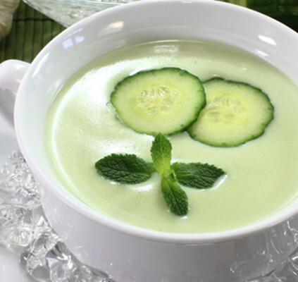 Sopa Fria de Pepino e Requeijão