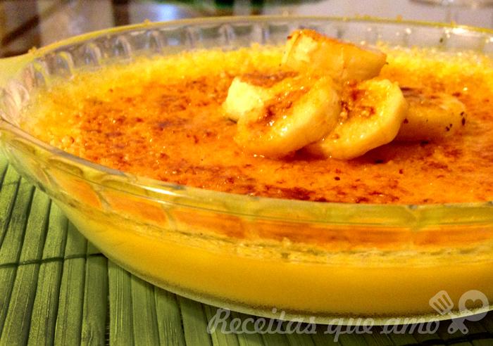 Crème Brulée com banana caramelada