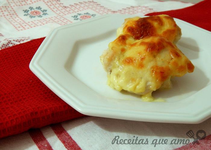 Frango enrolado com queijo