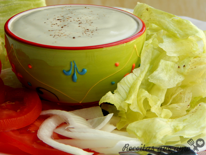 Molho de queijo para salada