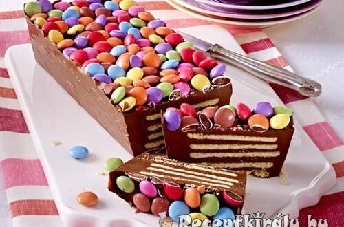 Sütés nélküli smarties torta
