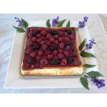 Pastel de queso con frutas del bosque