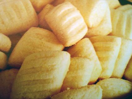 como fazer biscoitos de sequilhos com farinha de trigo simples