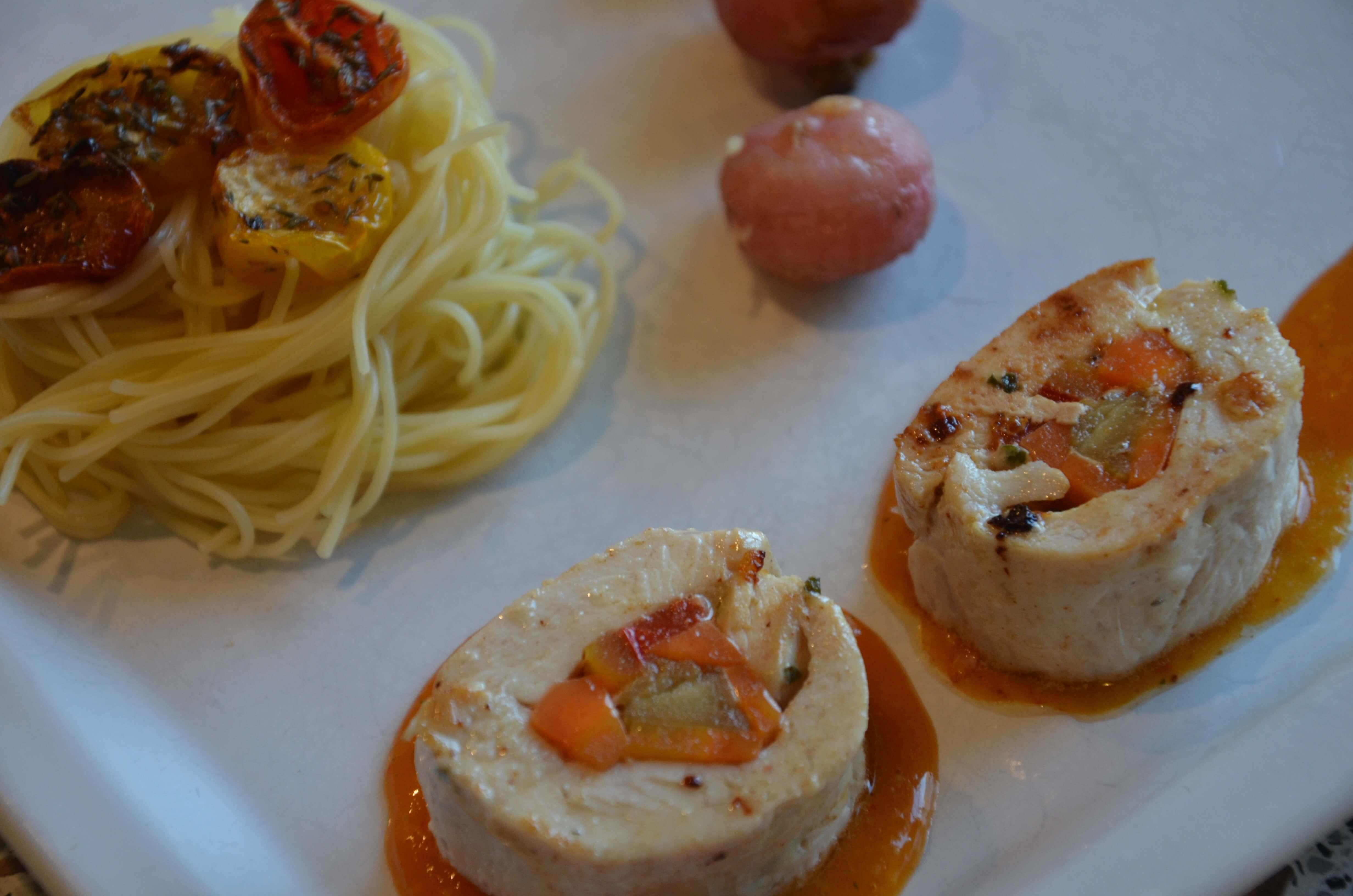 Ballotines de poulet aux légumes sauce poivrons rouges