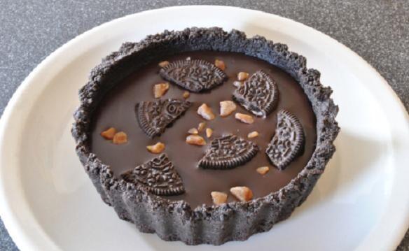 Πανεύκολη Τάρτα με όρεο και γέμιση σοκολάτας από το sintayes.gr!