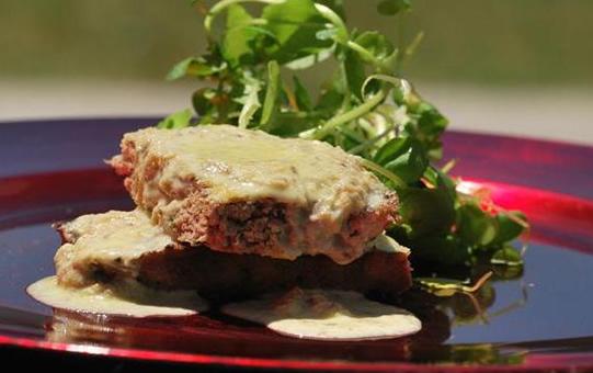 Pastel de Carne Molida de Pavo y Salsa de Champiñones