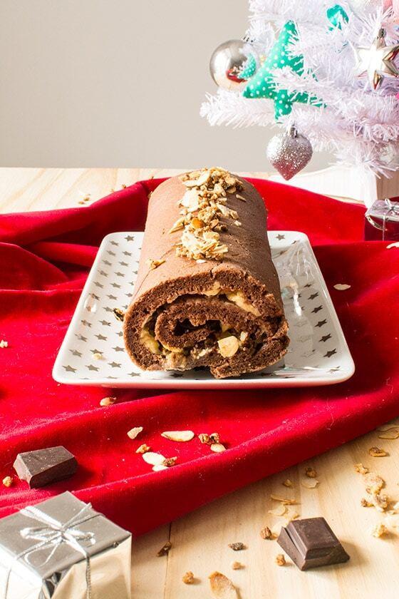 Bûche de Noël pâtissière au chocolat et amandes caramélisées