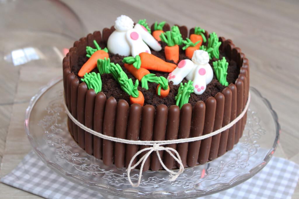 Layer cake tout chocolat et son jardin de Pâques