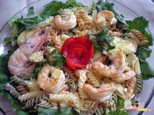 Salada de Macarrão parafuso com Camarão