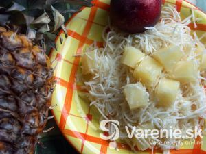 ananásovo zelerový šalát