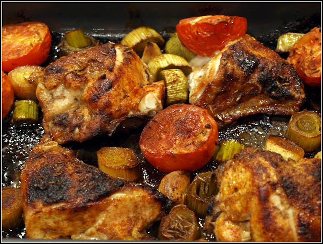 Roast chicken with Leeks and Tomatoes