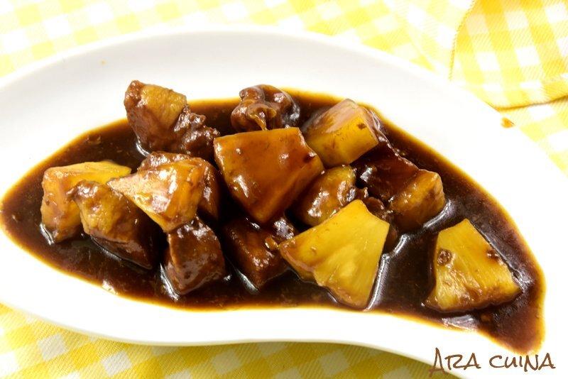 Porc amb salsa agredolça de pinya