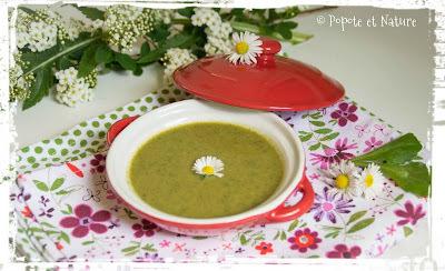 Que faire avec les fanes de navet blanc ? Une délicieuse soupe ! Cuisine anti-gaspi !