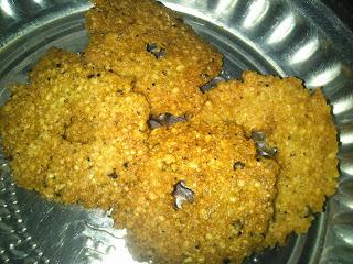 Crispy ulunthu milagu vada(perumal koil/anjanayer vadai)