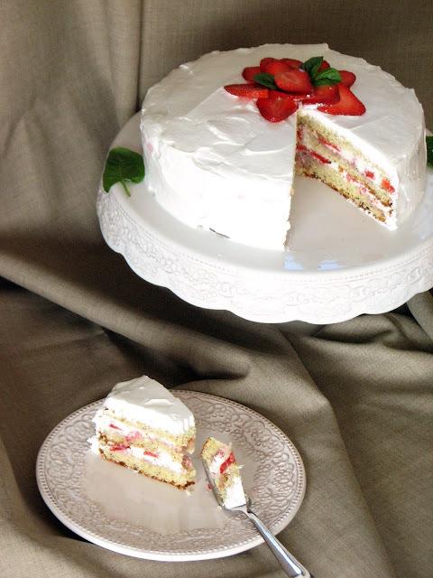 Torta od jagoda i bijele čokolade