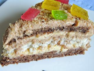 Kamelija torta sa čokoladom i mlevenim orasima