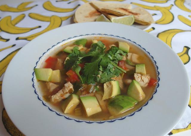 Rýchla a svieža mexická polievka so syrovou tortillou (moja srdcovka)