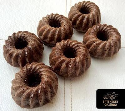 Mini paleo kakaós kuglóf (tejmentes, gluténmentes, cukormentes)