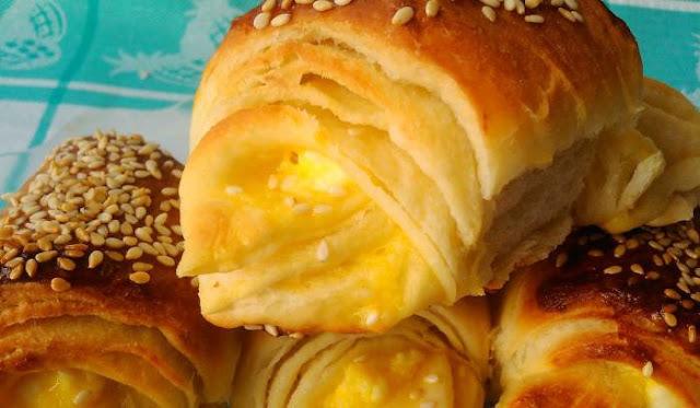 BRZE LISNATE KIFLICE: Evo kako najbrže napraviti ova ukusna peciva sa sirom ili džemom...