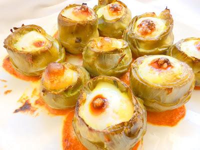 Carxofes farcides de brandada de bacallà i ou de guatlla