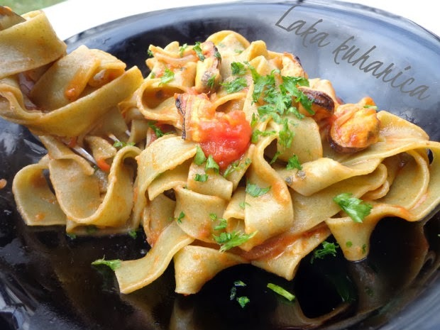 Tagliatelle s dagnjama :: Tagliatelle with mussels