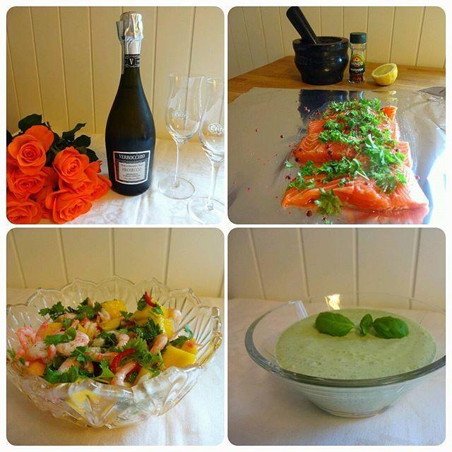 Ørret i folie, med smak av sitrus -stekt på grill ღ☼ Servert med en frisk & hot mangosalat med reker og grønn saus ღ☼