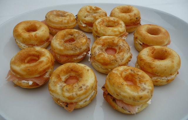 Donuts salés au saumon fumé façon bagels (machine à donuts)