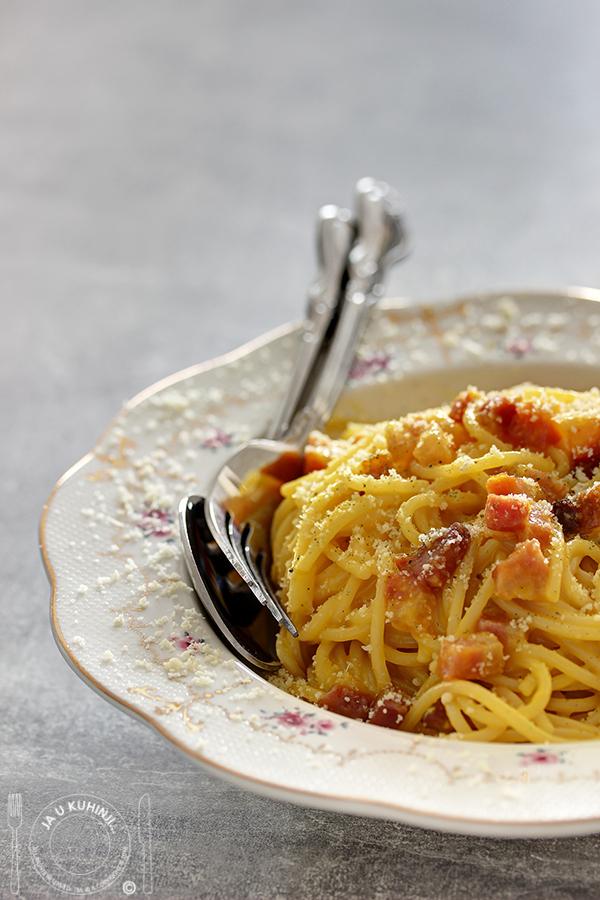 Klasični špageti karbonara / Classic Spaghetti Carbonara by Gennaro Contaldo + DARIVANJE