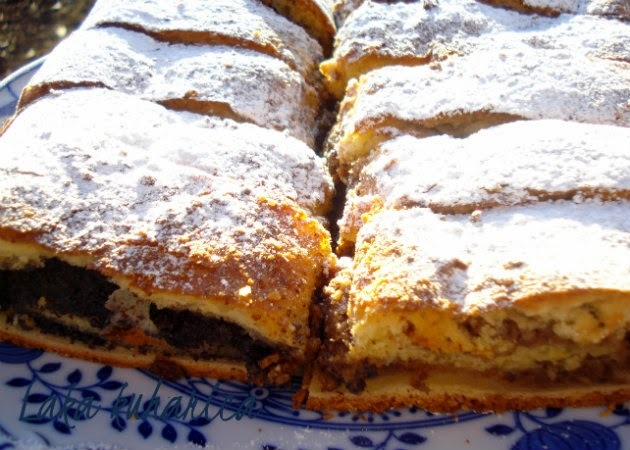Blizanci od oraha i maka :: Croatian walnut and poppy seed dough cake