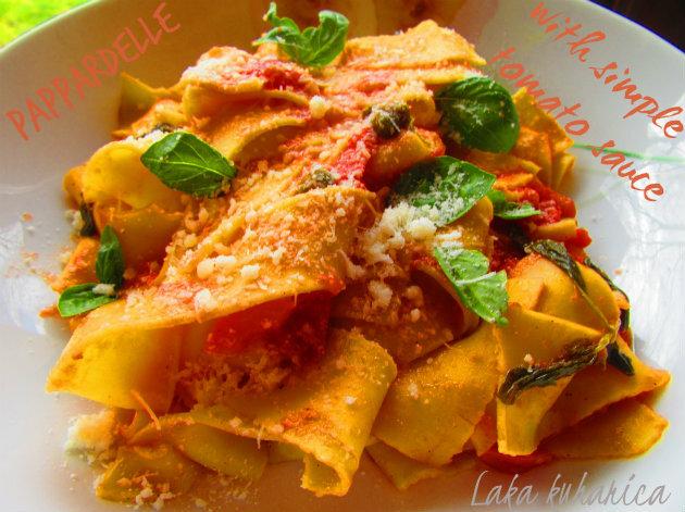Pappardelle s jednostavnim paradajz umakom :: Pappardelle with simple tomato sauce
