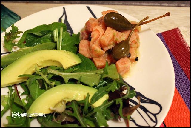 tartare de saumon aux câpres , citron vert et poivre timut , pour recette autour d'un ingrédient #15