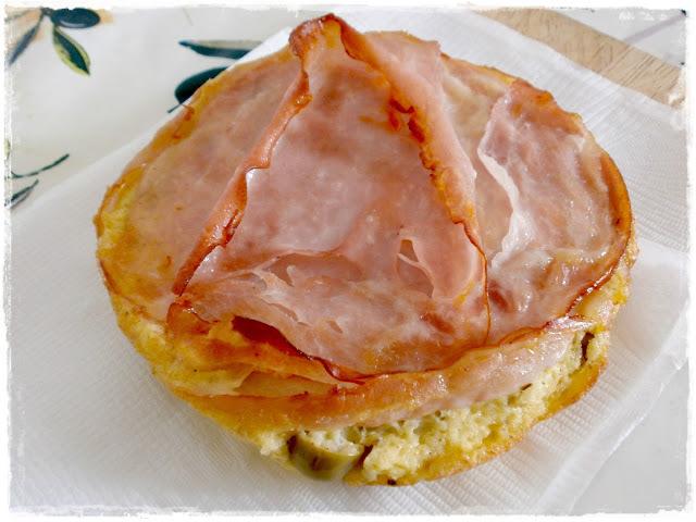 Olivovo - syrová frittata so šunkou