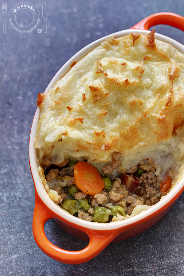 Pastirska pita / Shepherd's Pie by Kerryann Dunlop + DARIVANJE