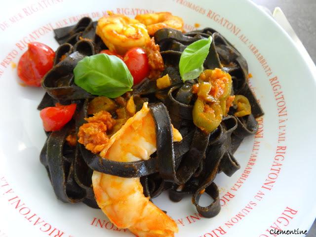 Spaghetti à l'encre de seiche aux langoustines de Jamie Oliver