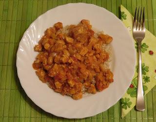 Reis mit Tempeh-Tomaten-Soße