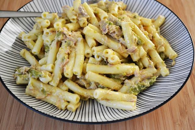 Salade de pâtes au thon et au curry