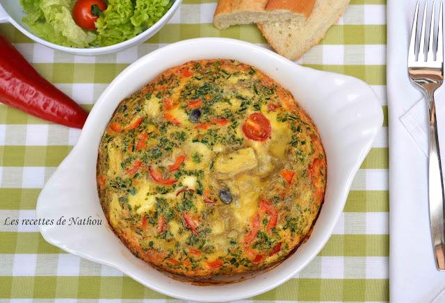 Frittata à la feta, tomates cerise, olives et coeurs d'artichauts...