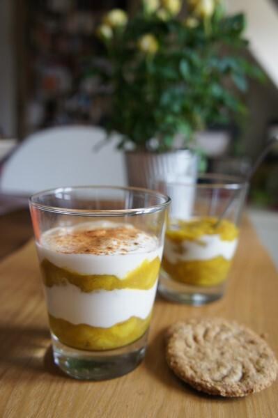 Verrine de compote de bananes au curcuma et cannelle et au yaourt