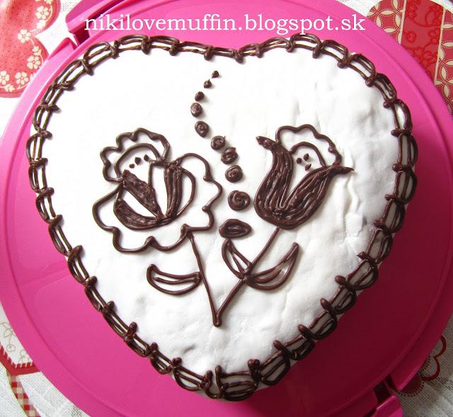 Kakaovo-ružová torta s višňami