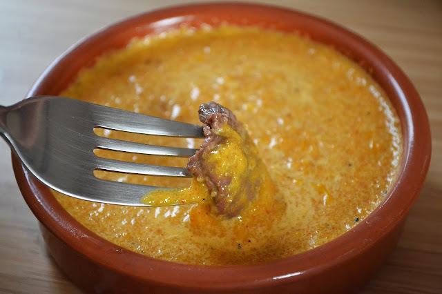 Fondue à la sangria et sa sauce au paprika