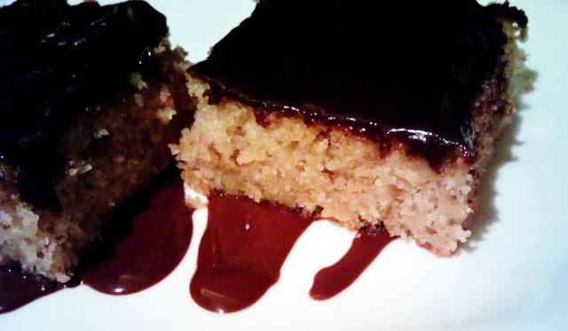 KOCKE OD JABUKA: Sočan i ukusan kolač, vrlo jednostavan za pripremu