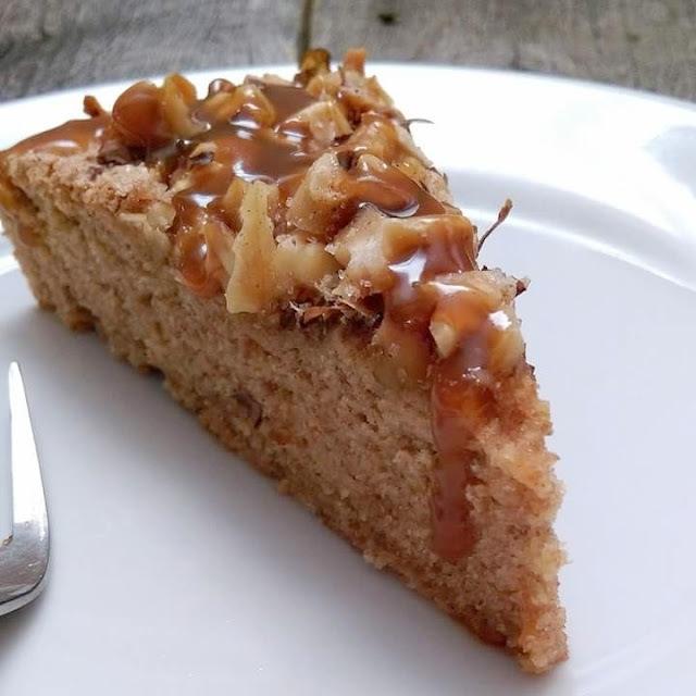 Kolač od bjelanjaka sa bundevom i karamelom (Pumpkin angelfood cake)