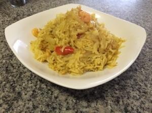 Arroz con curry y camarones