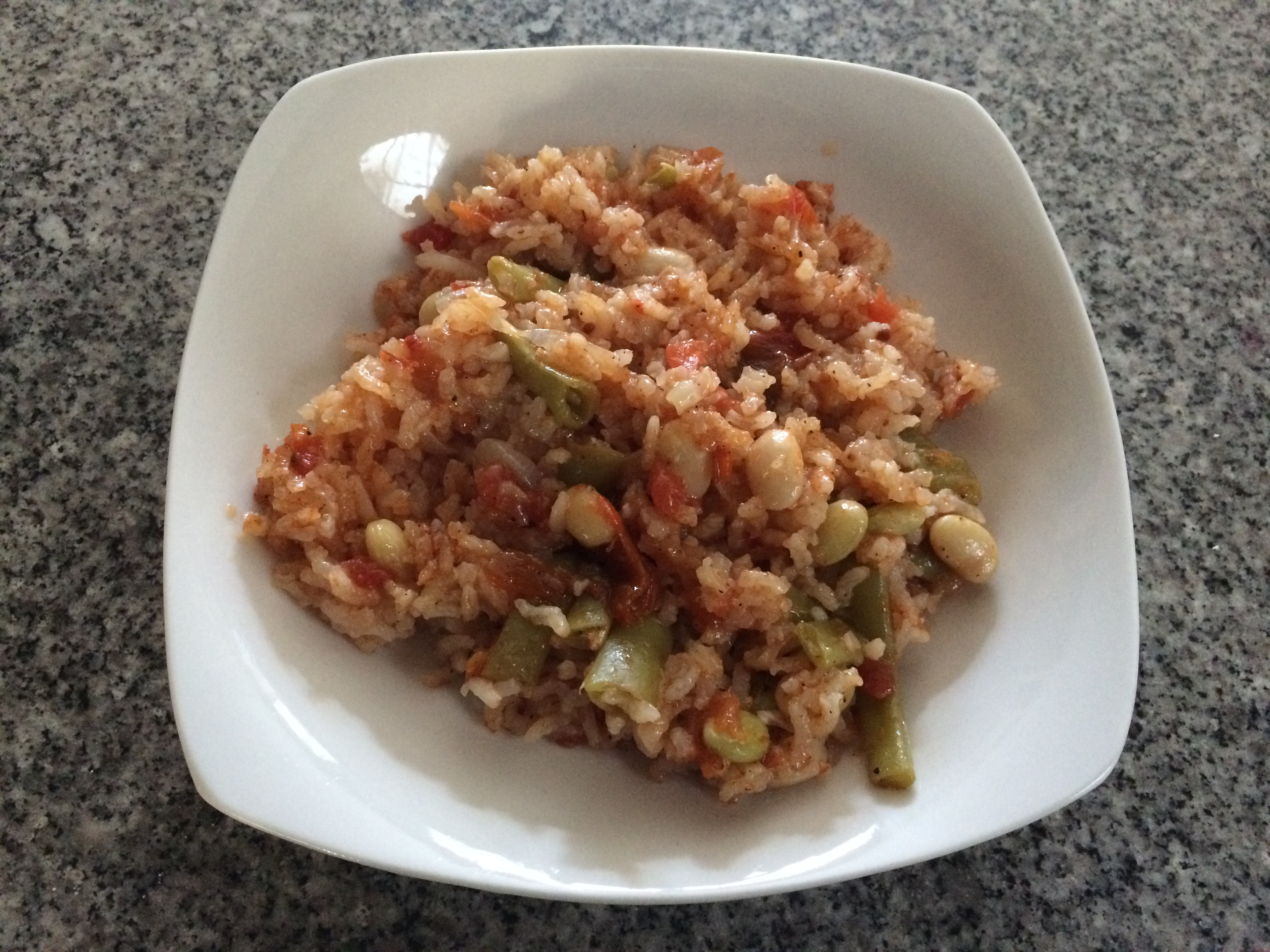 Embjadra – Arroz, tomate y porotos