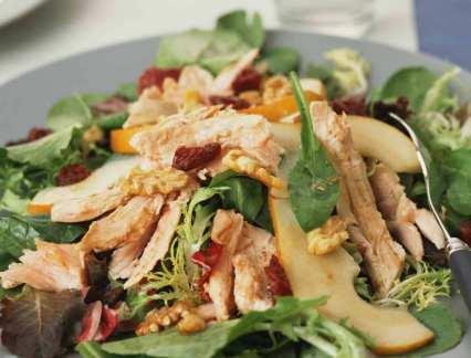 Salade Mesclun à la courgette et au poulet