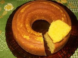 bolo de milho de espiga sem fermento com coco ralado e leite moça