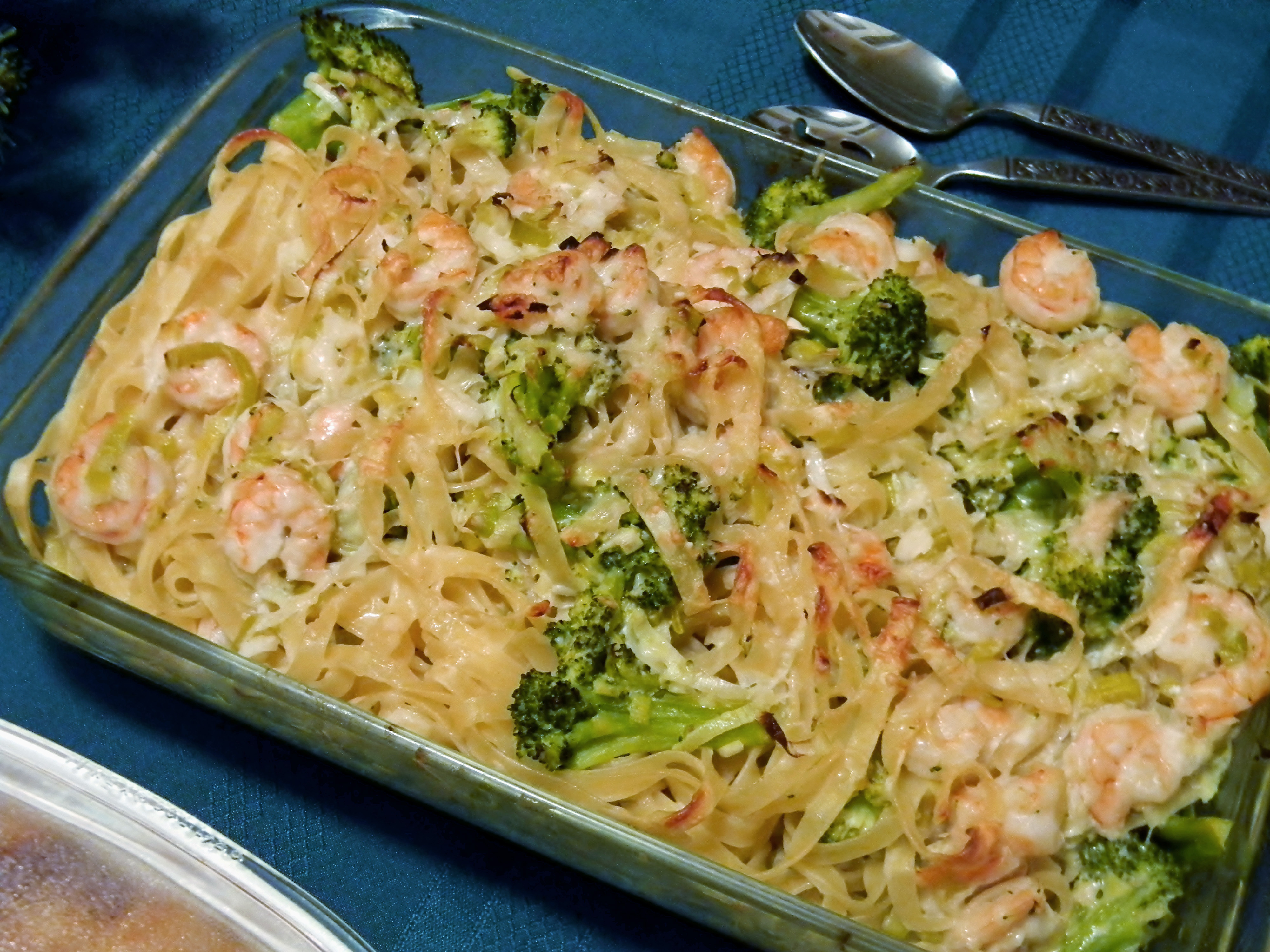 Baked Lemon Pasta with Broccoli and Shrimp - #holidayfoodparty