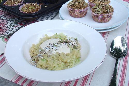 Quinoa & Apple Breakfast Salad