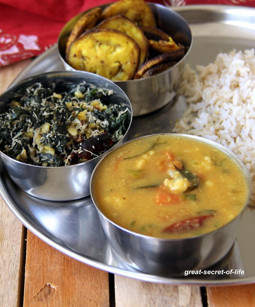 Cauliflower Sambar - Side dish for rice / dosa / idli