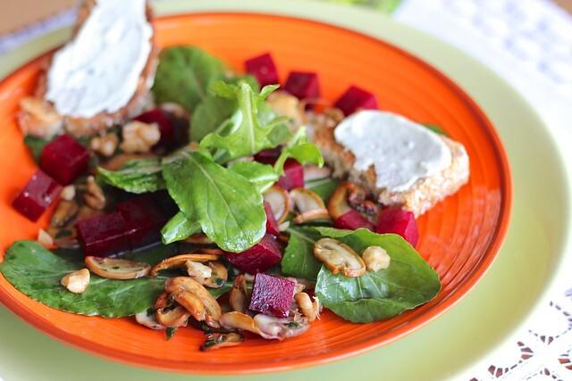 Uma das melhores saladas do mundo: champignon com beterraba